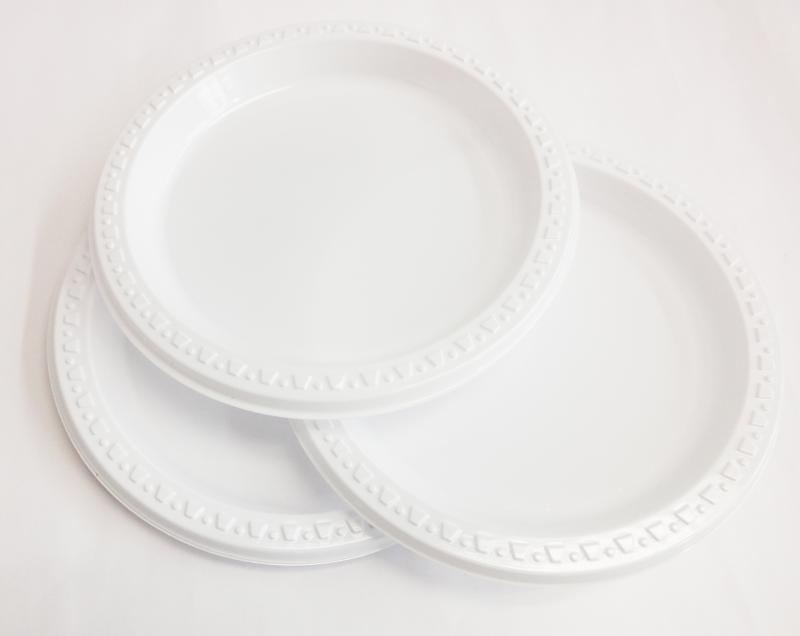 Pratos de Plástico